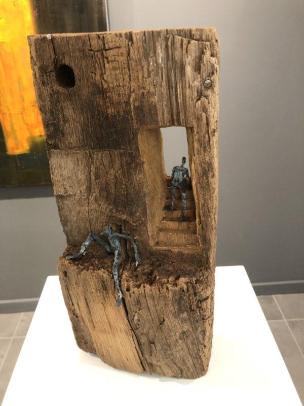 sculpture 3 assis au bord Cécile THONUS